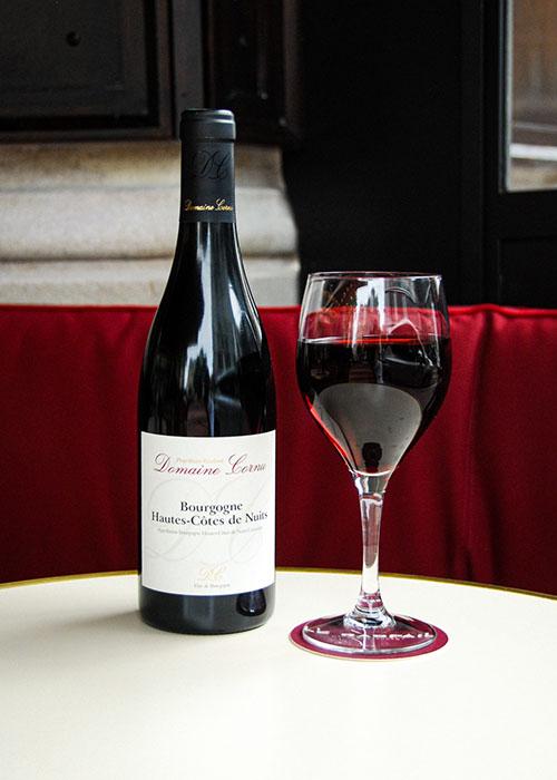 Vin rouge café Raspail Paris